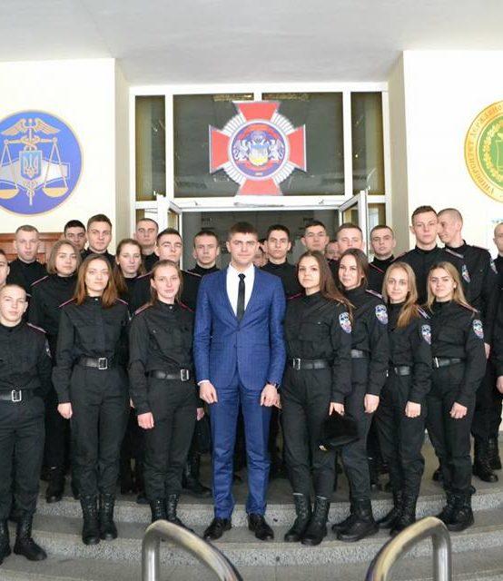 Зустріч з випускником факультету податкової міліції, лейтенантом податкової міліції Михайлом Савчуком