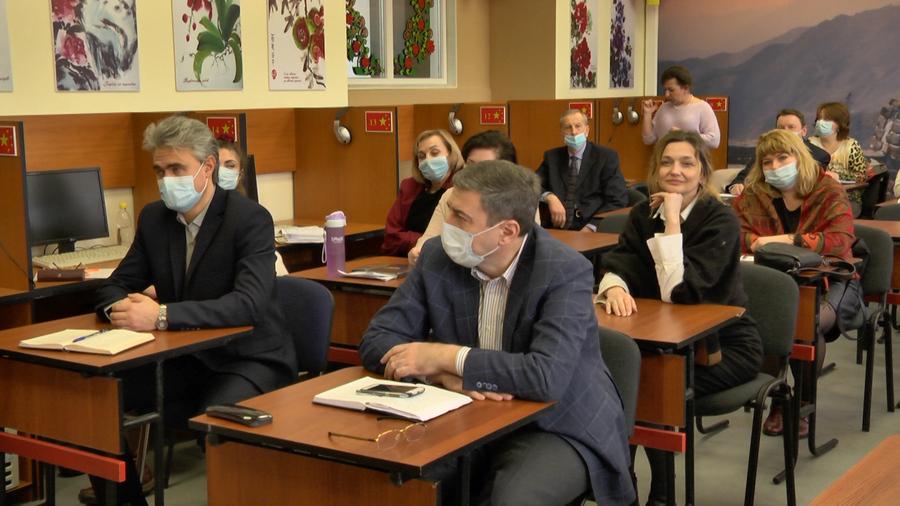 В.о. ректора Антон Монаєнко зустрівся з колективом ННІ гуманітарних наук