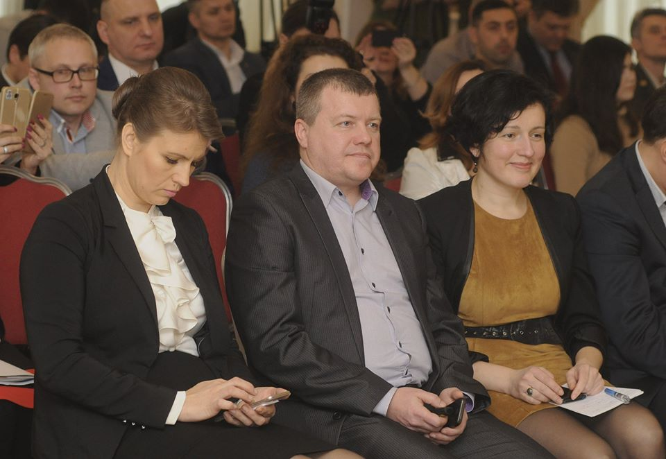 Представники Навчально-наукового інституту гуманітарних наук взяли участь у публічній дискусії