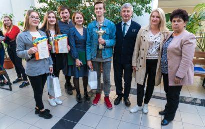 В Університеті визначили переможця інтелектуальної гри «Найрозумніший першокурсник 2019»