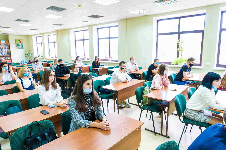 Першокурсникам провели ознайомчу лекцію до 100-річчя навчального закладу