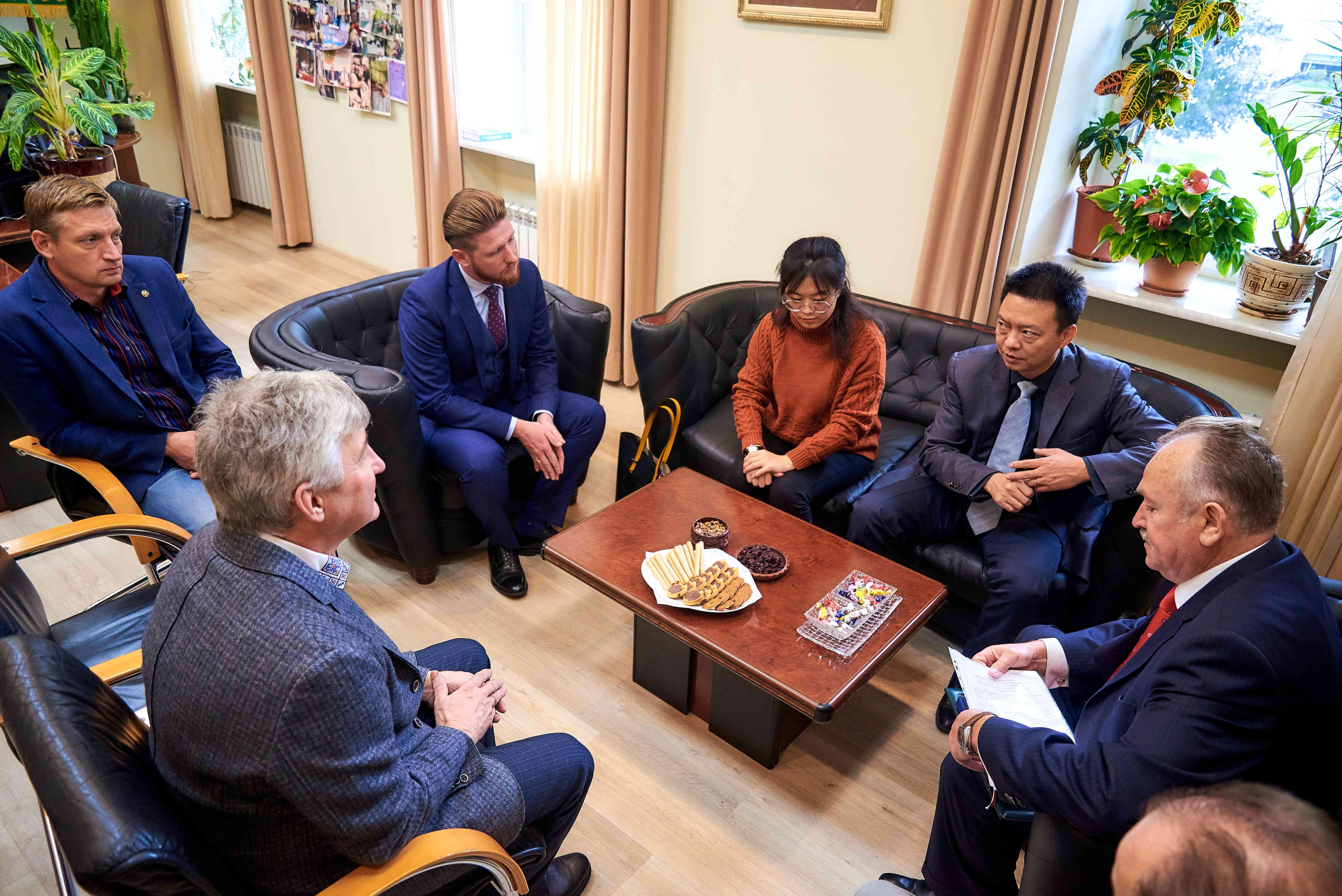 До Університету завітали представники Китайської Народної Республіки
