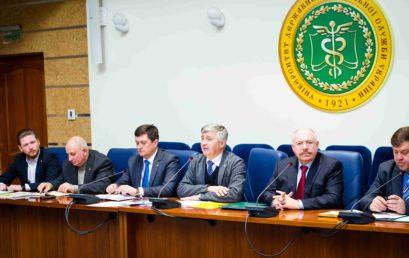 Диплом і мантію Почесного професора Університету ДФС України вручено Святославу Піскуну