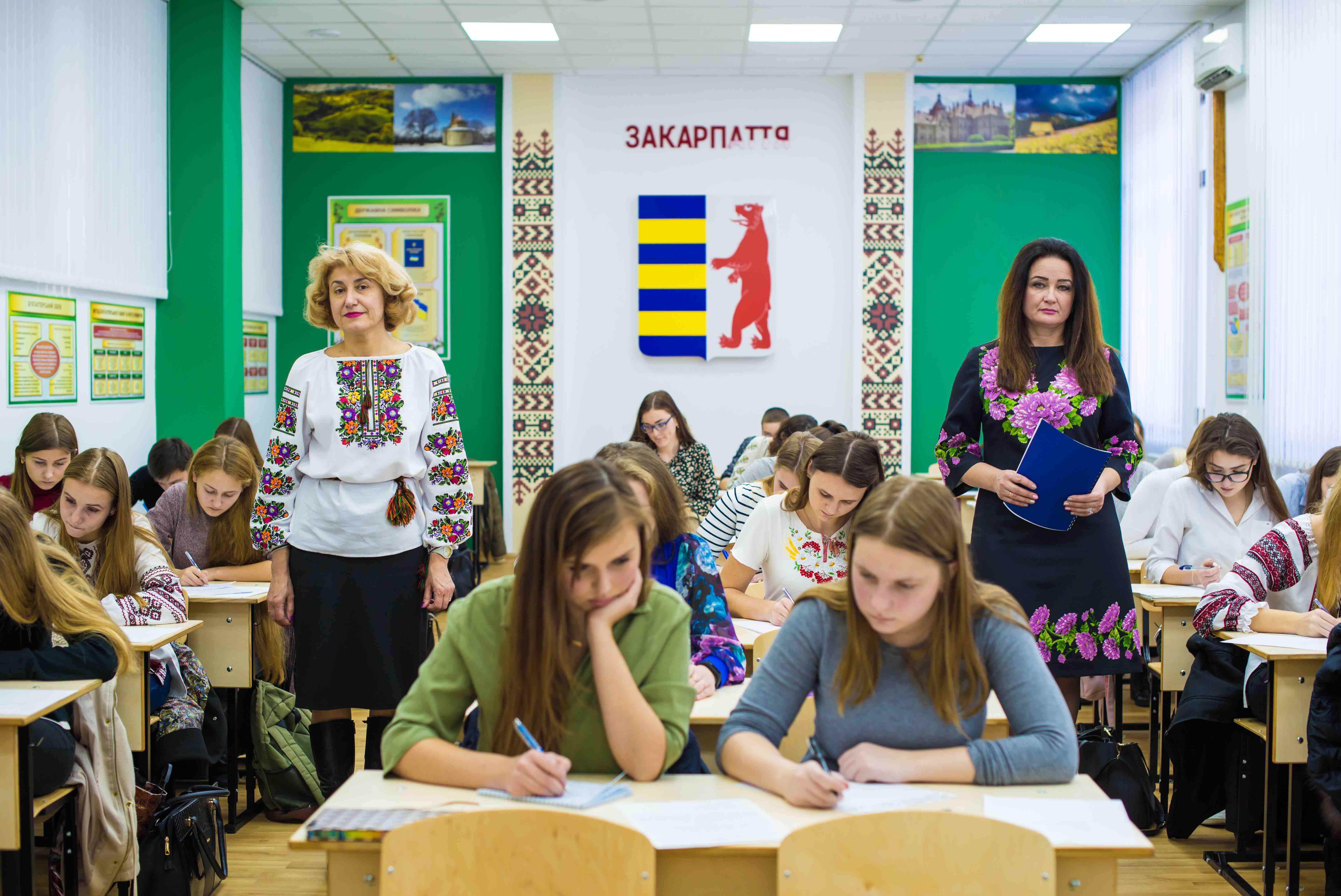 У день писемності та мови студенти НУДФСУ писали диктант національної єдності та брали участь у конкурсі імені Петра Яцика