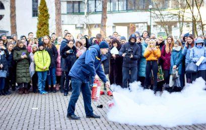 В Університеті сталася пожежа. Студенти та співробітники взяли участь у навчанні з ліквідації пожеж
