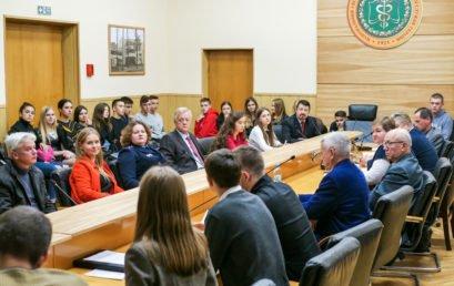 Студентський круглий стіл: Професія юриста в сучасних умовах розбудови правової держави