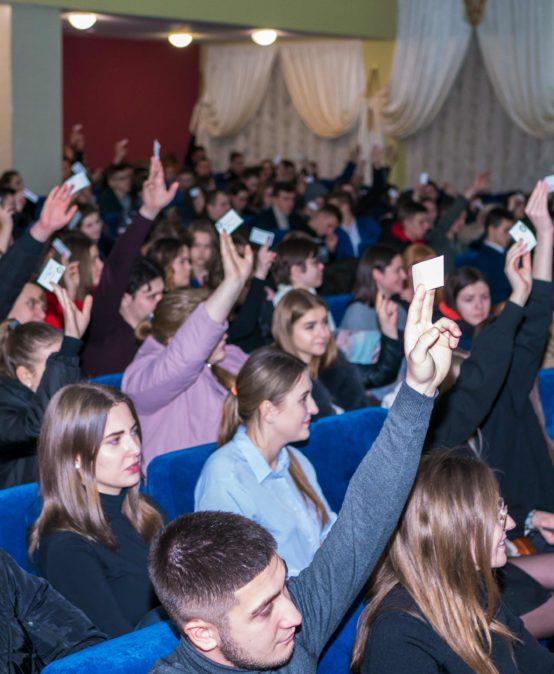 Вибори Студентського ректора УДФСУ: двоє кандидатів змагатимуться у другому турі